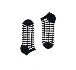 Nízké černobílé ponožky Happy Socks se šipkami, vzor Direction