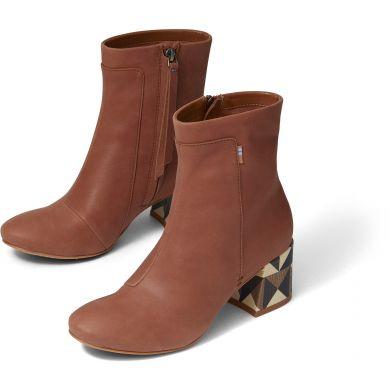 Dámské hnědé kožené boty na podpatku TOMS Emmy