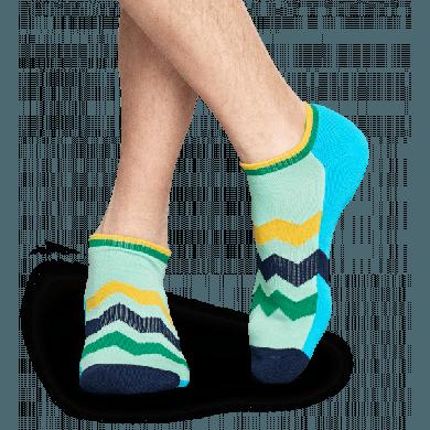 Nízké modro-zelené ponožky Happy Socks se zubatými pruhy, vzor ZigZag Stripes // kolekce Athletic