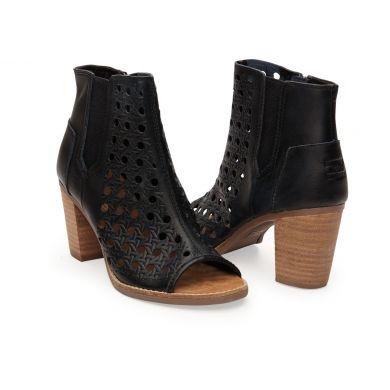Černé dámské kožené boty na podpatku TOMS