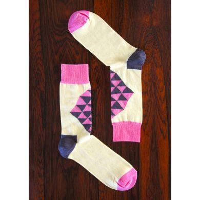 Bílé ponožky Happy Socks s růžovým kosočtvercem, vzor Mad Triangle