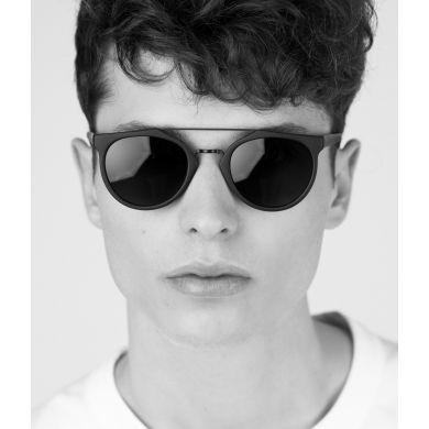 Černé sluneční brýle Matt & Nat Aldie