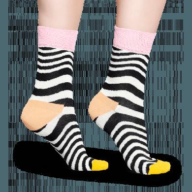 Černobílé ponožky Happy Socks s vlnitým vzorem Wavy